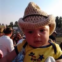 J'ai 2 garçons et je les ai toujours apporté partout. Voici Florent qui avait 3 mois, au festival western de St Bruno de Guigues! #freethebaby