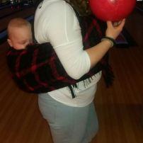 Tu vas pouvoir jouer avec ton bébé? Attend je vais te montrer c'est quoi être une maman.