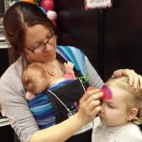 Parce qu'il ne faut pas s'empêcher de travailler et de sociabiliser! C'était hier au Salon Maternité Paternité Enfant!