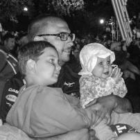 Petite Béatrice qui aime bien accompagner toute la famille au Festivoix de Trois-Rivières. Et elle n'était pas la seule. Un beau festival où l'on retrouve un public de 0-99 ans!:)